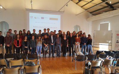 El conseller de Trabajo, Iago Negueruela, y el alcalde de Palma, Antoni Noguera, dan la bienvenida a 26 trabajadores contratados a través del programa de empleo SOIB Joven-Cualificados