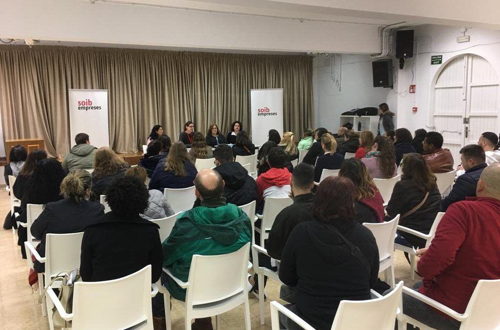 El SOIB entrevista a 105  candidatos para cubrir puestos de trabajo en los supermercados de Eroski