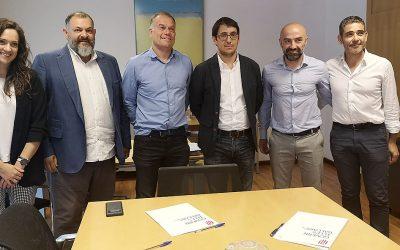 Trabajo firma un convenio con CETEBAL para la mejora de la formación y la inserción laboral de los trabajadores del sector de la madera