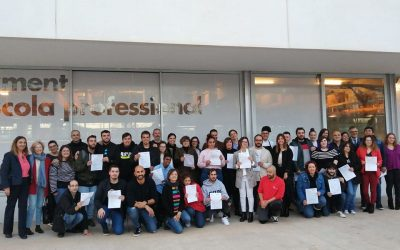 Entregados los diplomas a los alumnos de la formación dual de Esment Escuela Professional