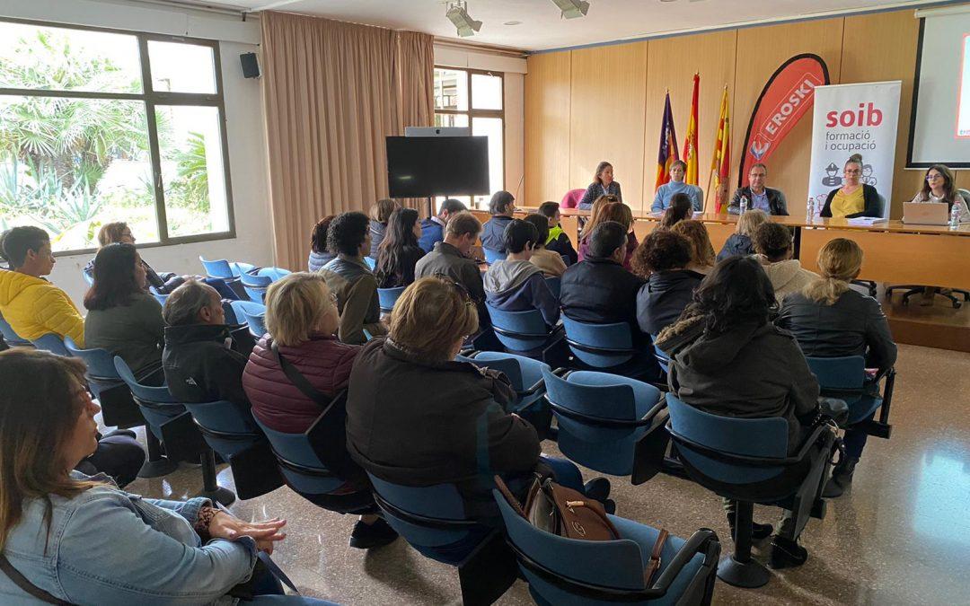 El servei SOIB Empreses entrevista 32 persones candidates en eljob day d'Eroski per cobrir llocs de feina a Eivissa