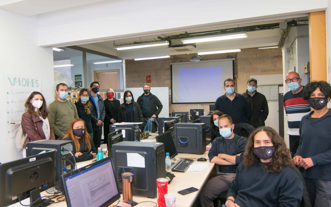 Visita als alumnes-treballadors del projecte PalmaMicromachine V de la convocatòria SOIB 30 Formació i Ocupació